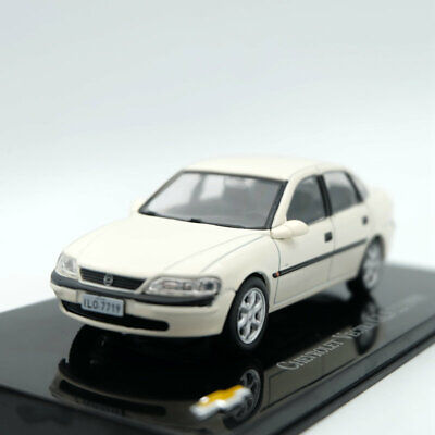 IXO Altaya 1:43 Chevrolet Vectra GLS 2.2 1998 Models Limited Edition Diecast Toy