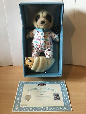 MEERKAT with baby; toy//meerkat// NEW//267029//INCREDIBLE CREATURES//Safari Ltd