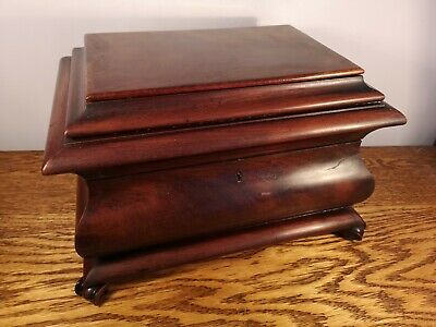 LARGE SARCOPHAGUS SHAPED VICTORIAN FLAME MAHOGANY TEA CADDY c.1864