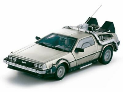 1:18 DeLorean DMC-12 -- Back to the Future 1 Time Machine