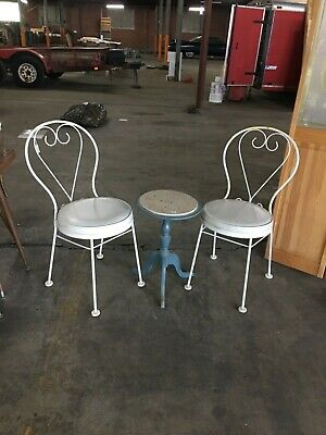 Set 2 Vintage White Ice Cream Parlor Cafe Chairs Sweetheart Heart Wrought Iron