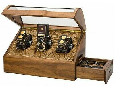 Rolleiflex Celebrated 80 Years Edition gold-plated set of the Rolleiflex FT , F