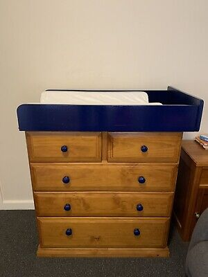 Chest of drawers and change table