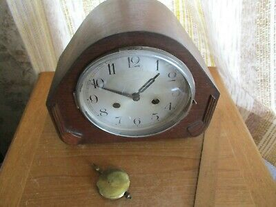 vintage art deco   oak cased  chiming mantle  clock/