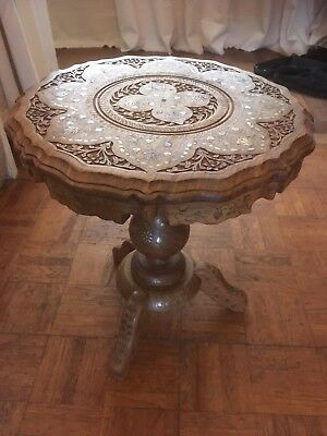 """Antique Small Beautiful Pedestal Wooden Table 16"""" By 14""""Inches"""