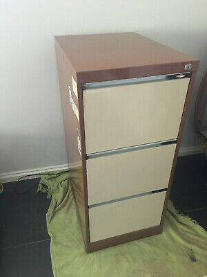 Namco 3 drawer filing cabinet - good condition