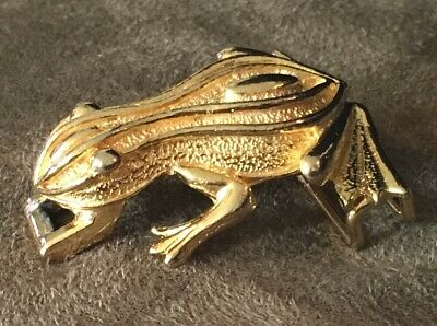 Vintage Gold Plated Frog Belt Buckle Piece Signed Mimi Di Niscemi Frog 1976