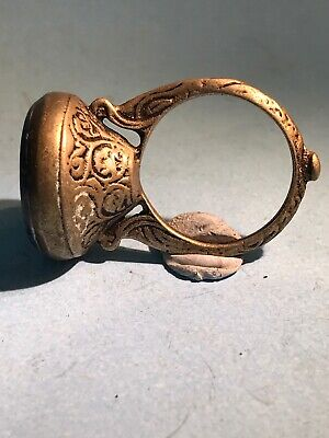 INTACT- NEAR EAST POST MEDIEVAL GOLD SEAL RING DECORATED WITH Ibex
