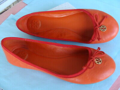 59cbc07ef7a TORY BURCH ~ Chelsea Red/Orange Ballet Flat Shoes Sz 9M ~ Logo Charm Bow  Leather