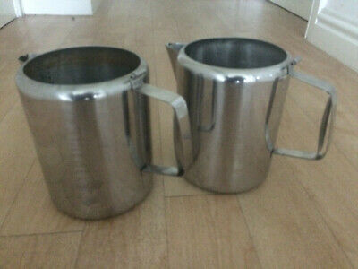 2 LARGE STAINLESS STEEL 2ltr JUGS HEAT RESISTANT HANDLE CATERING RESTAURANT