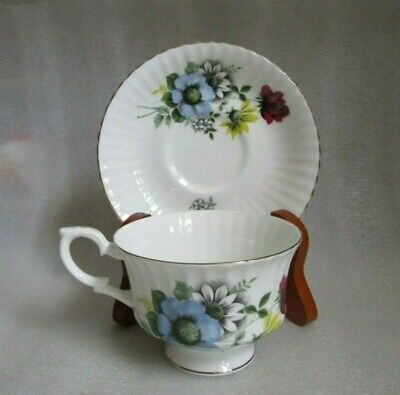 Vintage PARAGON Fine Bone China ENGLAND TEA CUP Saucer Blue Yellow Floral w Rose