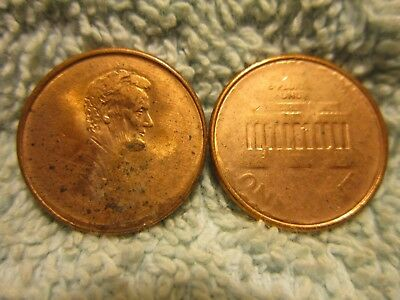 """~~~Lincoln & the Memorial """"IN A FOG"""".  Pair of struck thru grease!  MINT ERRORS!"""