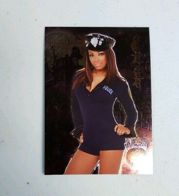 2006 Bench Warmer Series One Halloween #4 Crystal Colar