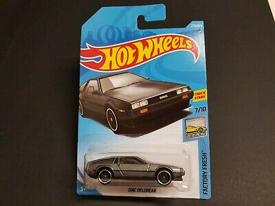 HOT WHEELS DMC DELOREAN - Factory Fresh - May suit Back to The Future Collectors