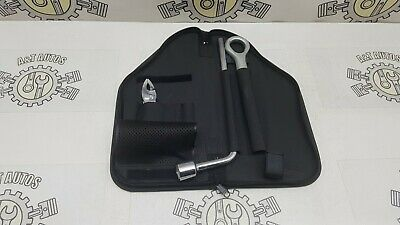 2007 Lexus Is220D Mk2 Emergency Tool Kit With Tow Hook Towing Ring Eye In Case