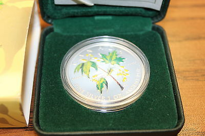 2003 Silver Maple Leaf Coloured Coin 1 oz 9999% fine SILVER ISSUED BY R C MINT