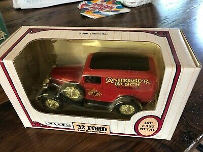 Ertl Diecast Anheuser Busch Budweiser 1932 Ford Panel Truck Delivery  Bank Exc