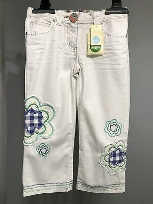 NEW MINI BODEN Girl Cropped Capri Embroidered White Jeans Flower Size 10