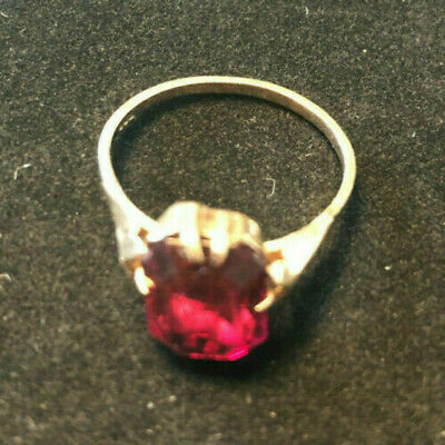 Vintage 9ct gold ring set with mounted red semi precious stone