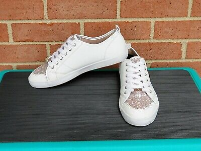 Guess Tennis Shoes Womens Mallory Leather White Gold Tone
