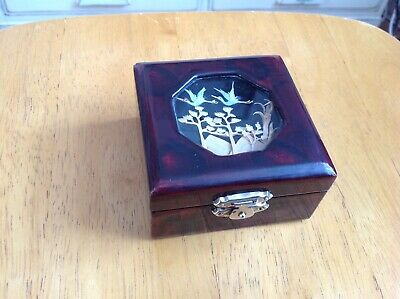 LACQUERED ORIENTAL TRINKET BOX with BIRDS & TREES DECORATION in GREAT USED COND