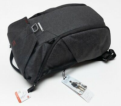 NEW NWT $260 Peak Design Everyday Camera Bag Travel Backpack 20L Charcoal Gray