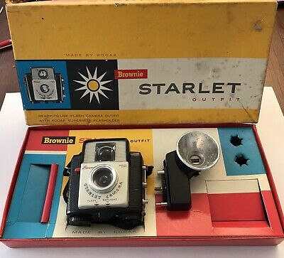 Kodak Brownie Starlet & Flashlight in original outfit box.