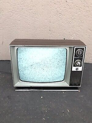 "1976 ZENITH SOLID STATE 19"" TV B&W Black And White Vintage TV Television Retro"