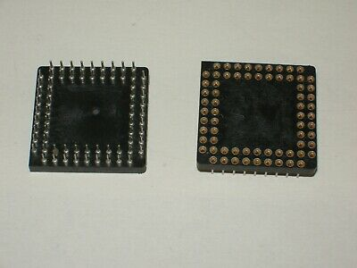 Deux supports PGA 68 broches - two sockets  PGA 68 pins for THT