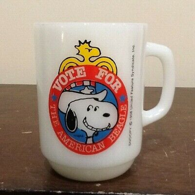 Vintage 1980 Snoopy For President Fire King Milk Glass Collectors Series Mug