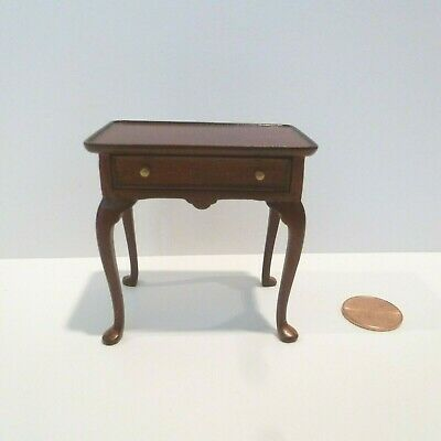 Bespaq Miniature End Table With Drawers  Mahogany Finish  10024