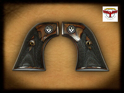 RUGER ® NEW Vaquero Checkered Factory Grips / Grip Set