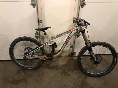 b49d3cc3a44 2016 GIANT GLORY 27.5 -2 Downhill Bike Med Pristine Ultimate Dh Rig ...