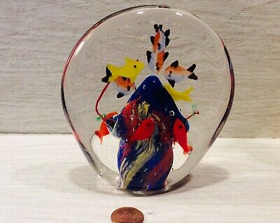 large art glass fish aquarium paperweight. Paperweight is heavy And 41/2 Inches