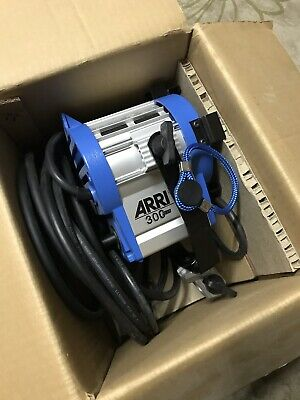 ARRI 300 Plus 300P 531300 Tungsten Fresnel Studio Light