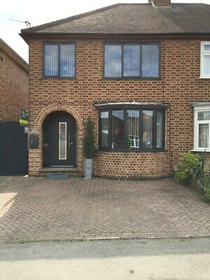 Stylish 3 bed semi detached house in NN14, within London commuting distance.