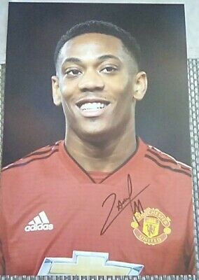 Manchester united Anthony Martial hand signed photo 12x8