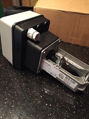 Honeywell ML7425A3005 24V Electric Linear Valve Actuator