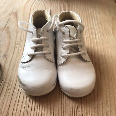 PRETTY ORIGINALS BABY Shoes 2 colours WHITE CREAM size16to19 4 to 12 months S6