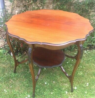 Decorative Antique Round Table in good condition - Collection Only