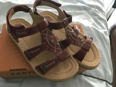 earth spirit sandals size 8 Brand New