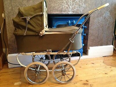 Pedigree Rare Vintage Dolls Pram Carrycot Olive Green Excellent Condition ***