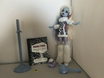 Monster High Doll ~ Abbey Bominable Doll ~ Wave 2 With Pet
