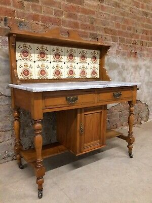 Antique Victorian Marble top Wash Stand With Tiled Back, in good condition.