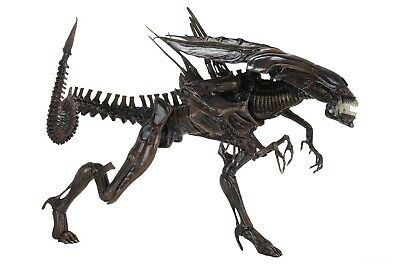 Aliens - Ultra Deluxe Boxed Action Figure - Resurrection Queen - NECA