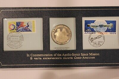 USA Russia 1975 Apollo-Soyuz Space Station Silver medal PNC folder ( (SC32)