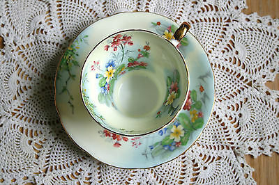 Aynsley, corset style, Pale yellow, floral tea cup saucer set 1020's, gold rim