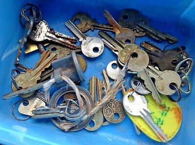 Job Lot of Vintage Yale & Other Keys