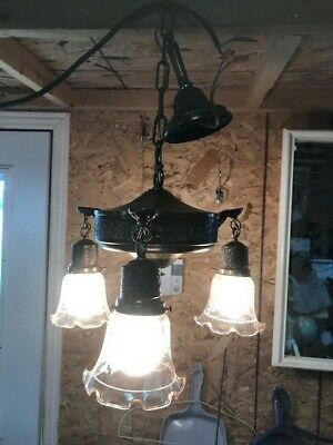 Antique Brass Hanging Ceiling Light Fixture Chandelier With 3 Lights