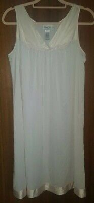 Vintage Vanity Fair Full Slip Nighty Negligee size S but would fit 12-14